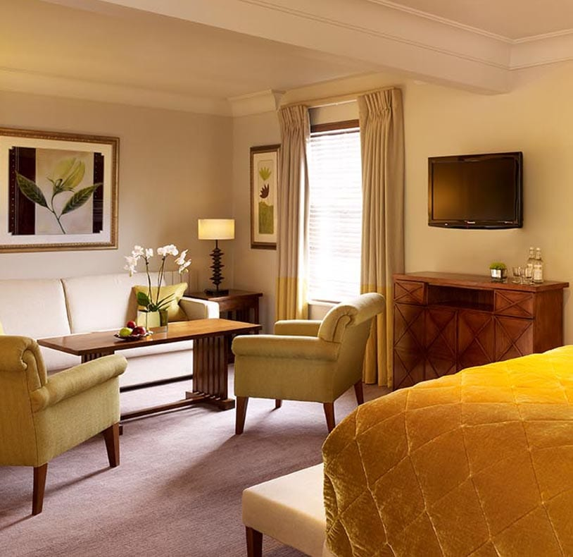 Feature room at The Arden Hotel in Stratford-upon-Avon